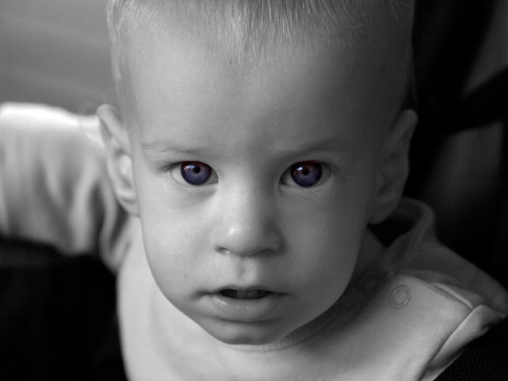 Blue eyes by MichaelBr
