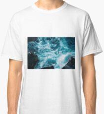 Ocean waves breaking Classic T-Shirt
