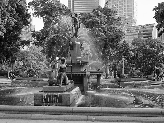 Hyde Park Water Fountain by Michael McGimpsey