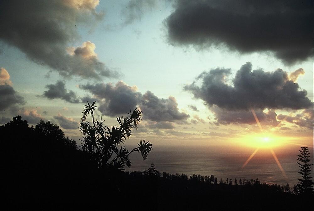 Norfolk Island Sunset by gondwana