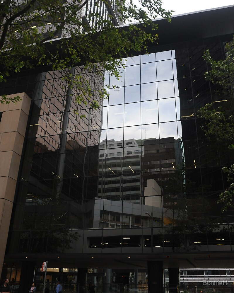 Reflected buildings in Sydney by BonnieH