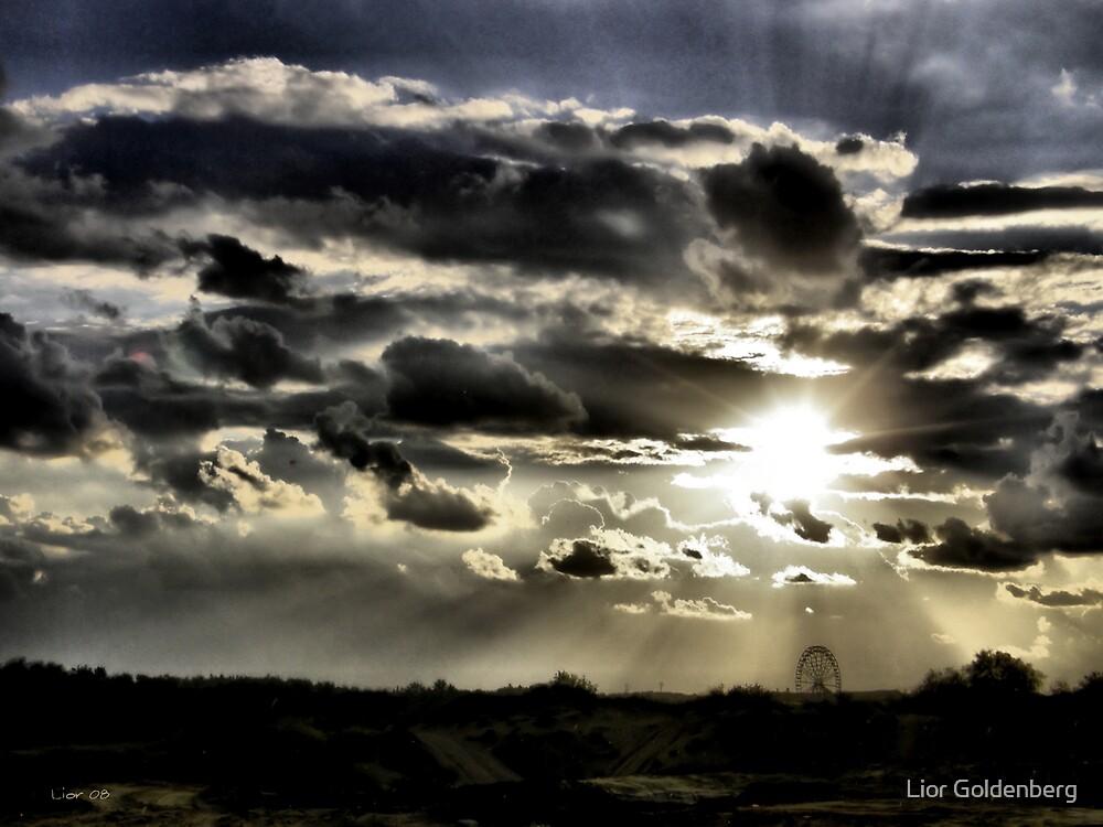 Big wheel by Lior Goldenberg