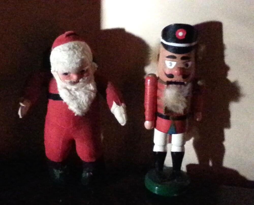 Santa and Nutcracker by oneeyephoto