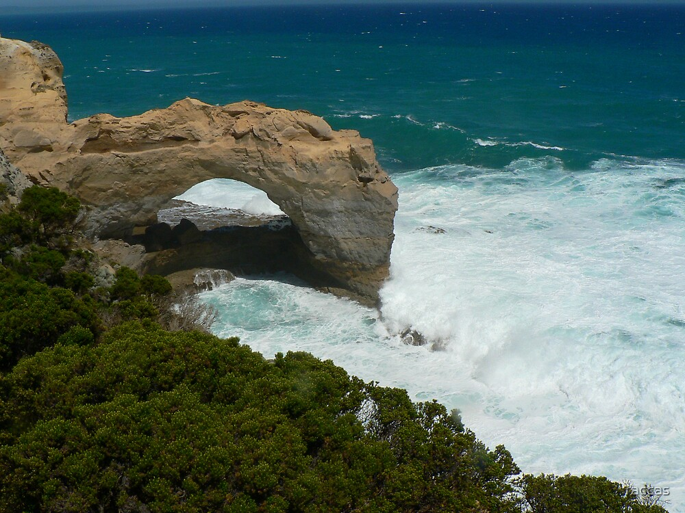 """""""Rock Arch on the Great Ocean Road"""" by raccas"""
