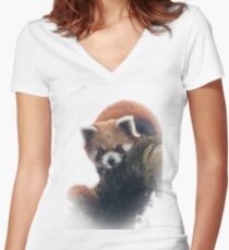 Wild red panda Women's Fitted V-Neck T-Shirt