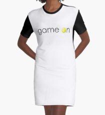 Tennisspiel an T-Shirt Kleid
