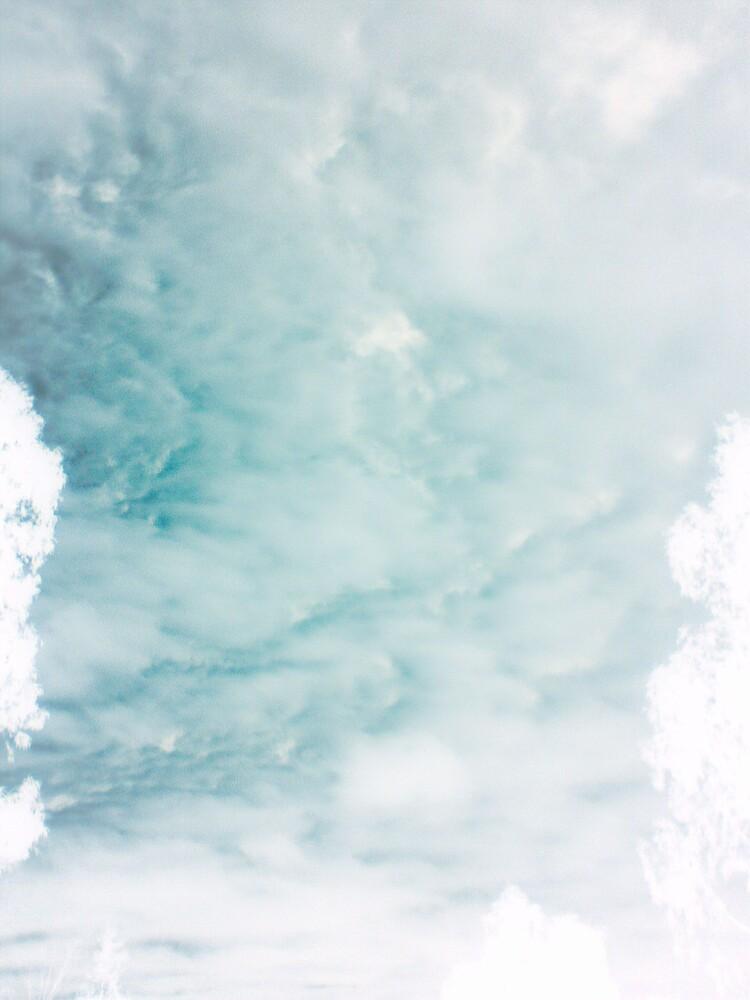 The sky by Wakethewatchman