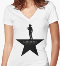 Camiseta entallada de cuello en V HARRINGTON: Una niñera estadounidense (negro)