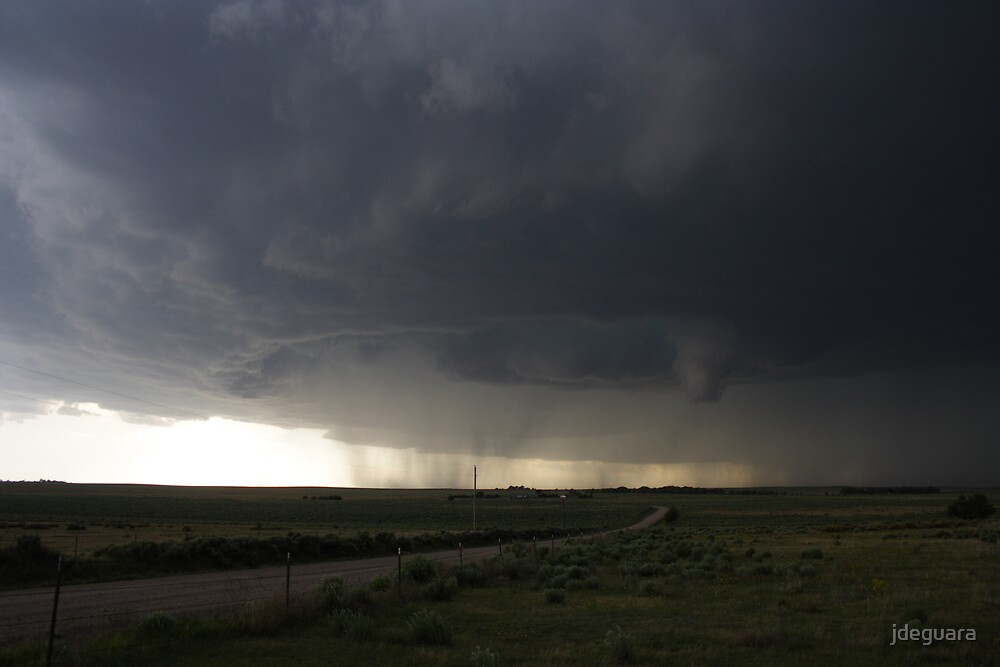 Spectacular tornado warned supercell by jdeguara