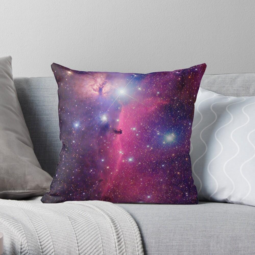 Lila Galaxie Dekokissen