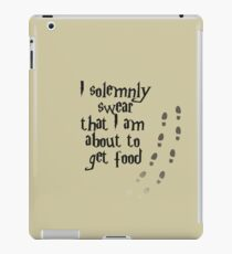 I solemnly swear that I am about to get food iPad Case/Skin