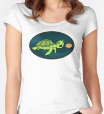 Turtle Eating A Pikelet (Ricky Gervais Show) Women's Fitted Scoop T-Shirt