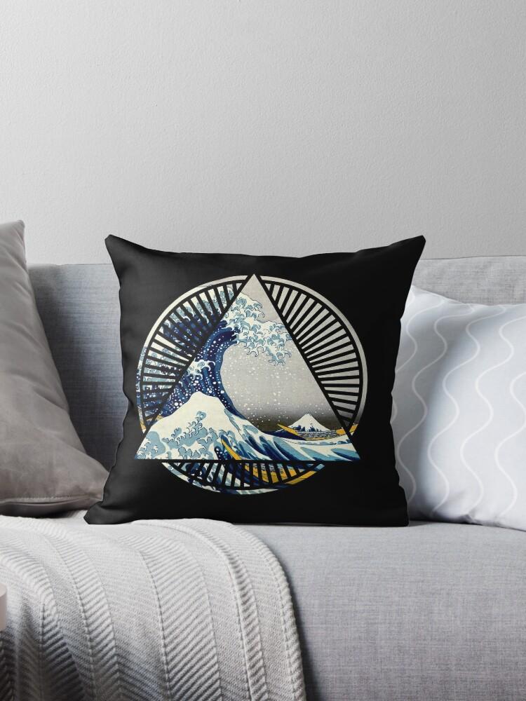 42486e7dddb9 Vintage Hokusai Mount Fuji Great Tsunami Wave Japanese Geometric Manga Shirt