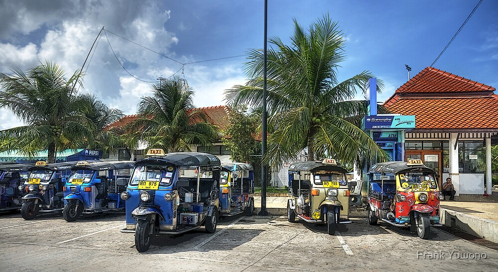 Tuktuks by Frank Yuwono