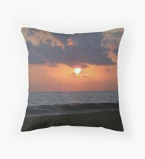 PIE De LA CUESTA mexico Throw Pillow