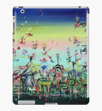 CROWDED AND LIVING iPad Case/Skin