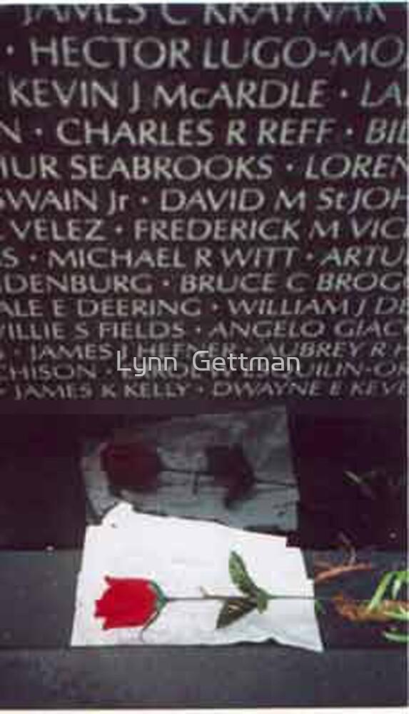 Vietnam Memorial by Lynn  Gettman