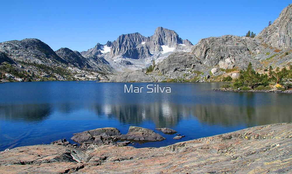 Garnnet Lake by Mar Silva