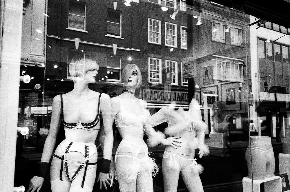 SOHO GIRLS by Ingrid Rasmussen