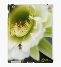 Princess of the Night - Bloom Close Up  iPad Case/Skin