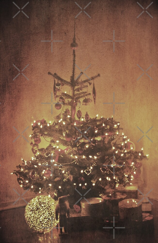 Have Yourself A Very Merry Christmas   by Denise Abé