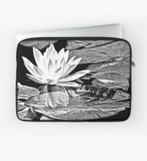 A frog's life in black and white Laptop Sleeve