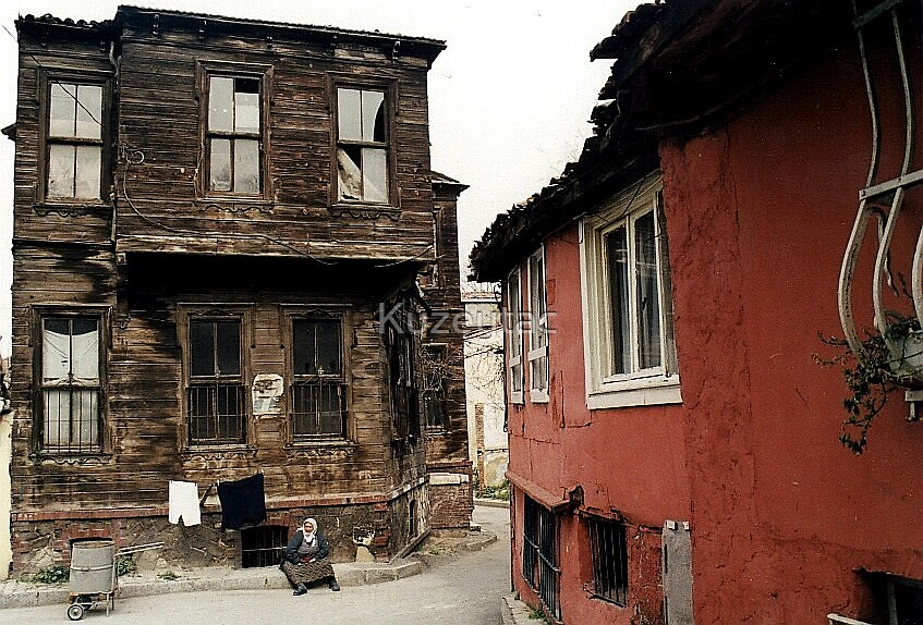 Life Near The Istanbul Walls, Ayvansaray by Kuzeytac