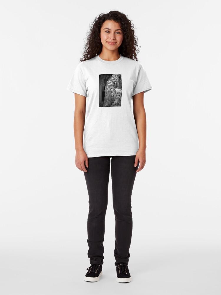 Alternative Ansicht von suspended Classic T-Shirt