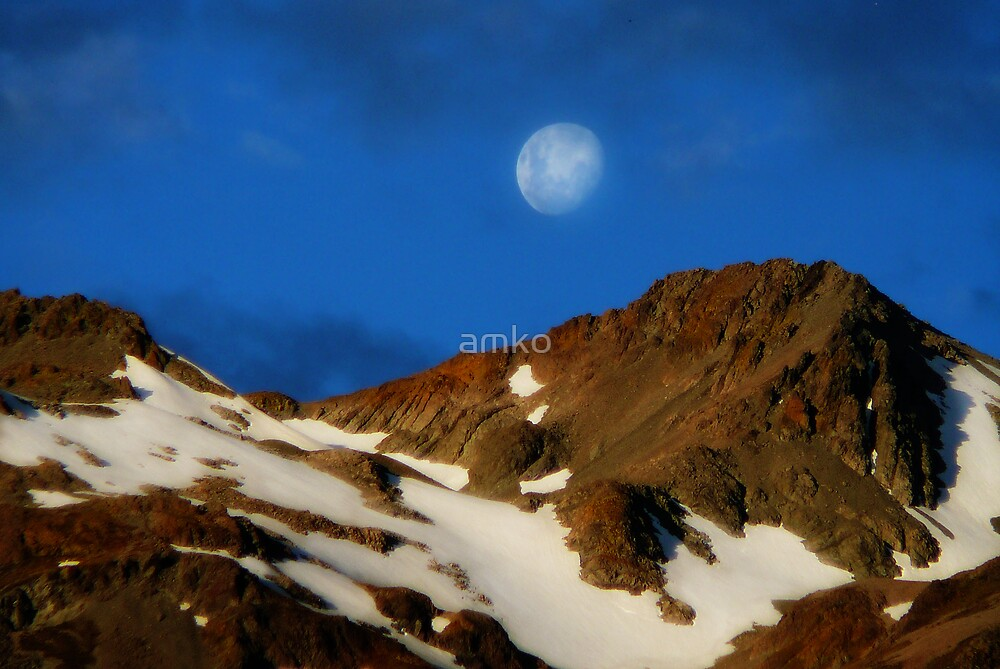 mountain moonrise by amko