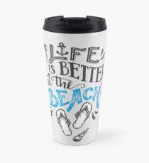 Das Leben ist besser am Strand // Flip Flops, Seestern, Muscheln und Sand Thermobecher