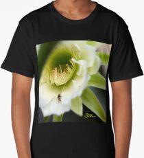 Princess of the Night - Bloom Close Up  Long T-Shirt
