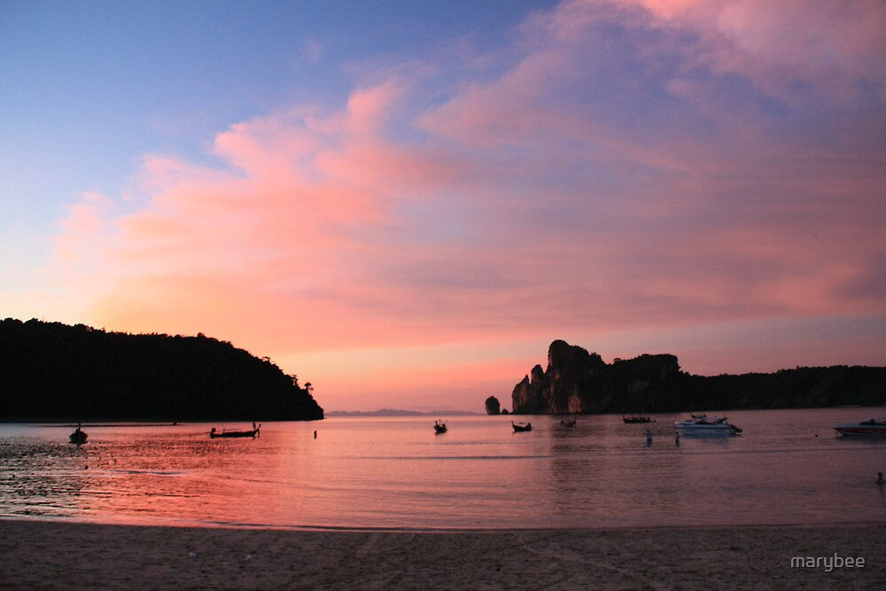 Phi Phi sunset by marybee