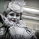 A silvery smile by Kurt  Tutschek