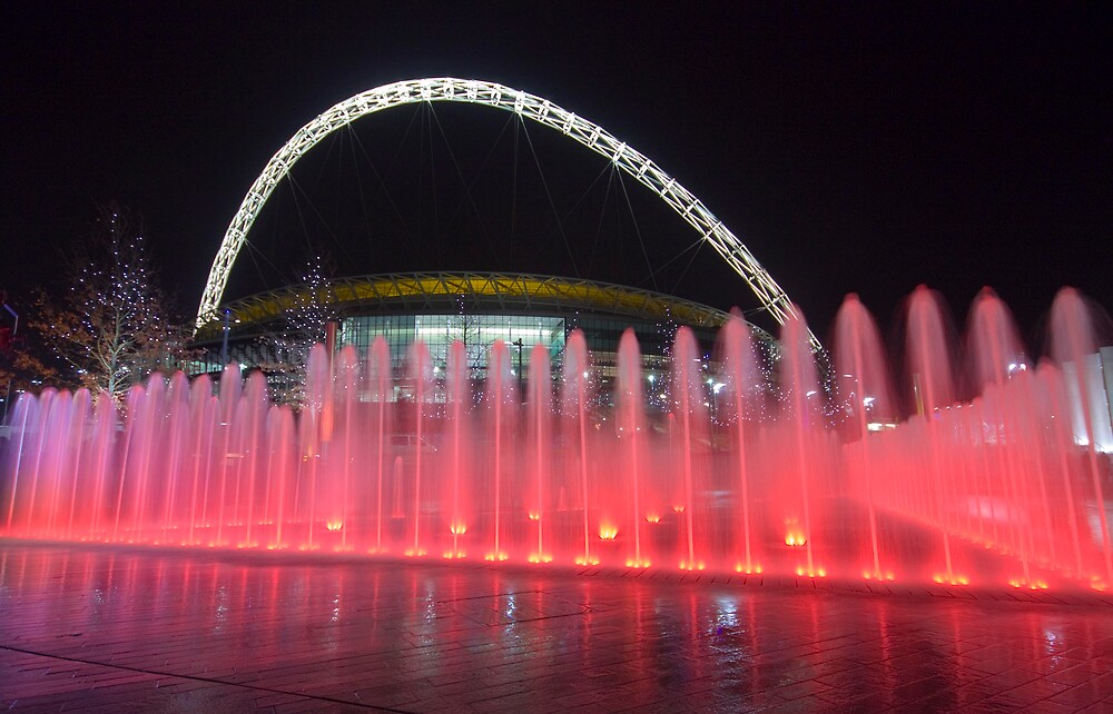 Wembley Water by LeeMartinImages