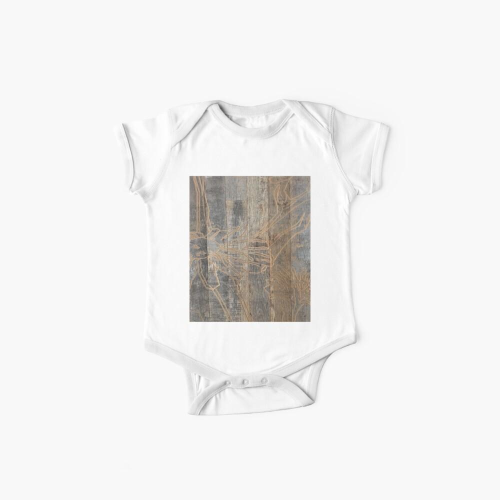wunderliche Gänseblümchenblume graviertes Holz barnwood Baby Body
