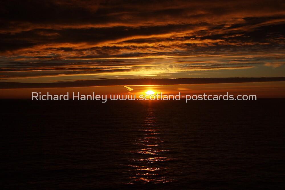 John O'Groats Sunrise by Richard Hanley www.scotland-postcards.com