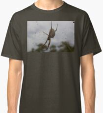 'She' awaits your presence Classic T-Shirt