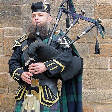 Scottish Piper - The Royal Mile - Edinburgh by Arrowman