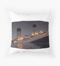 Titanic undiendose Throw Pillow