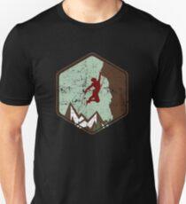 Vintage Rock Climbing Badge Logo Unisex T-Shirt