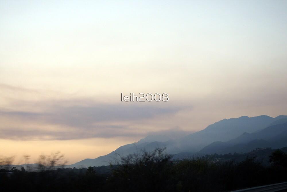 Smoke along the mountains - Santa Barbara Coast Friday 11-14-2008 by leih2008
