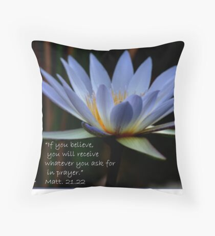 THE BLUE WATERLILY – Nymphaea nouchall Throw Pillow