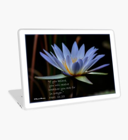 THE BLUE WATERLILY – Nymphaea nouchall Laptop Skin