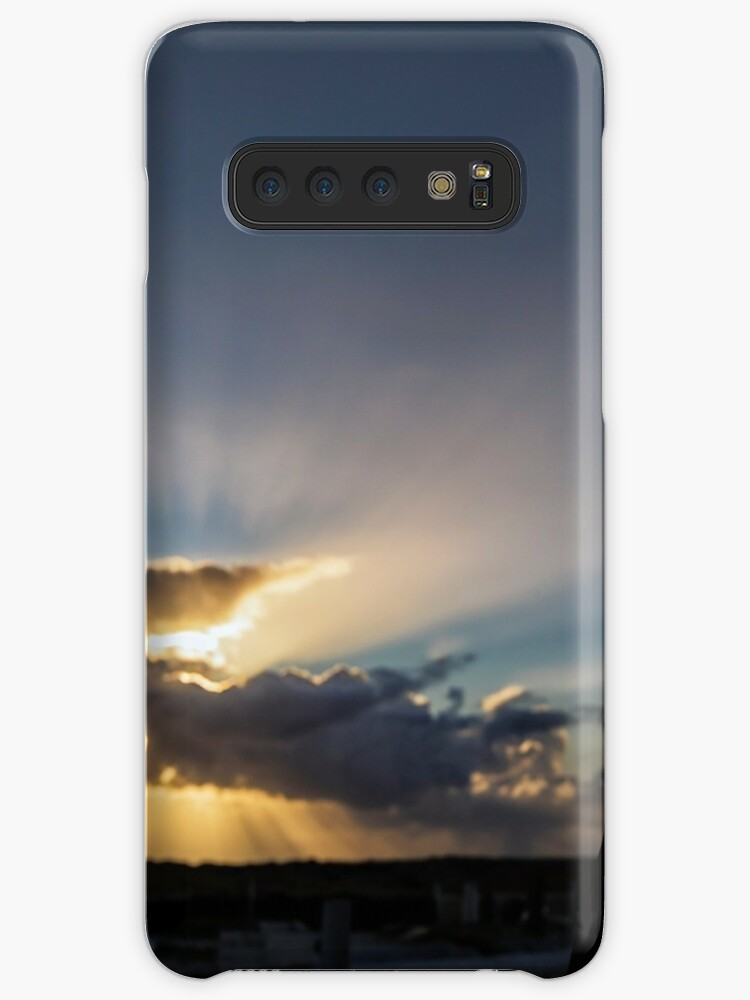 Silhouette Of Cross Sun Rays In The Background Case Skin For
