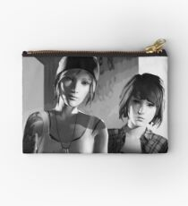 Chloe Price & Max Caulfield - Explosion - Life is Strange Studio Pouch