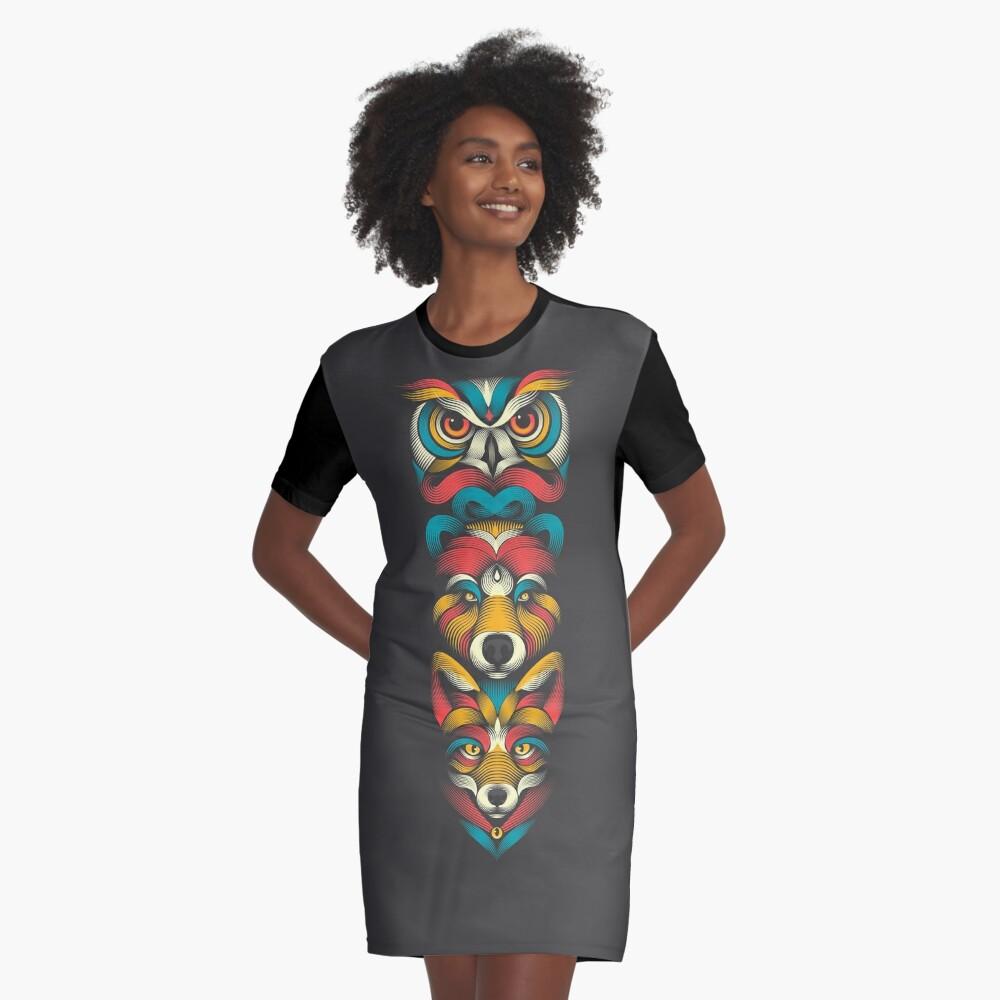 Totem der Waldtiere T-Shirt Kleid