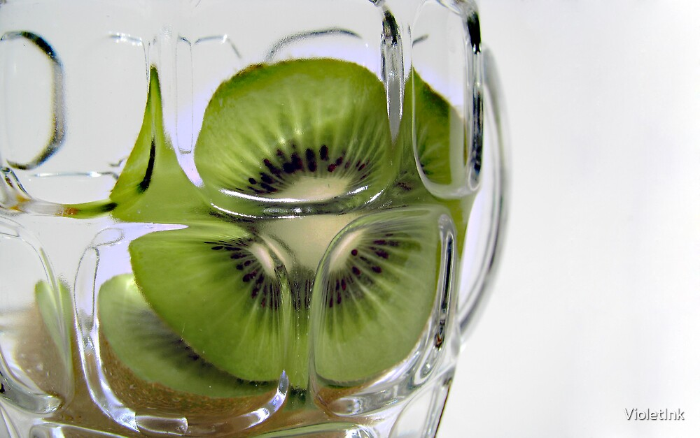 Kiwi Refraction. by VioletInk