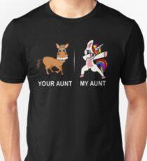 Ihre Tante meine Tante Lustiges niedliches eintauchendes Einhorn-T-Shirt Slim Fit T-Shirt