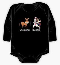 Ihre Mom My Mom Lustige süße Tupfen Einhorn T-Shirt Baby Body Langarm