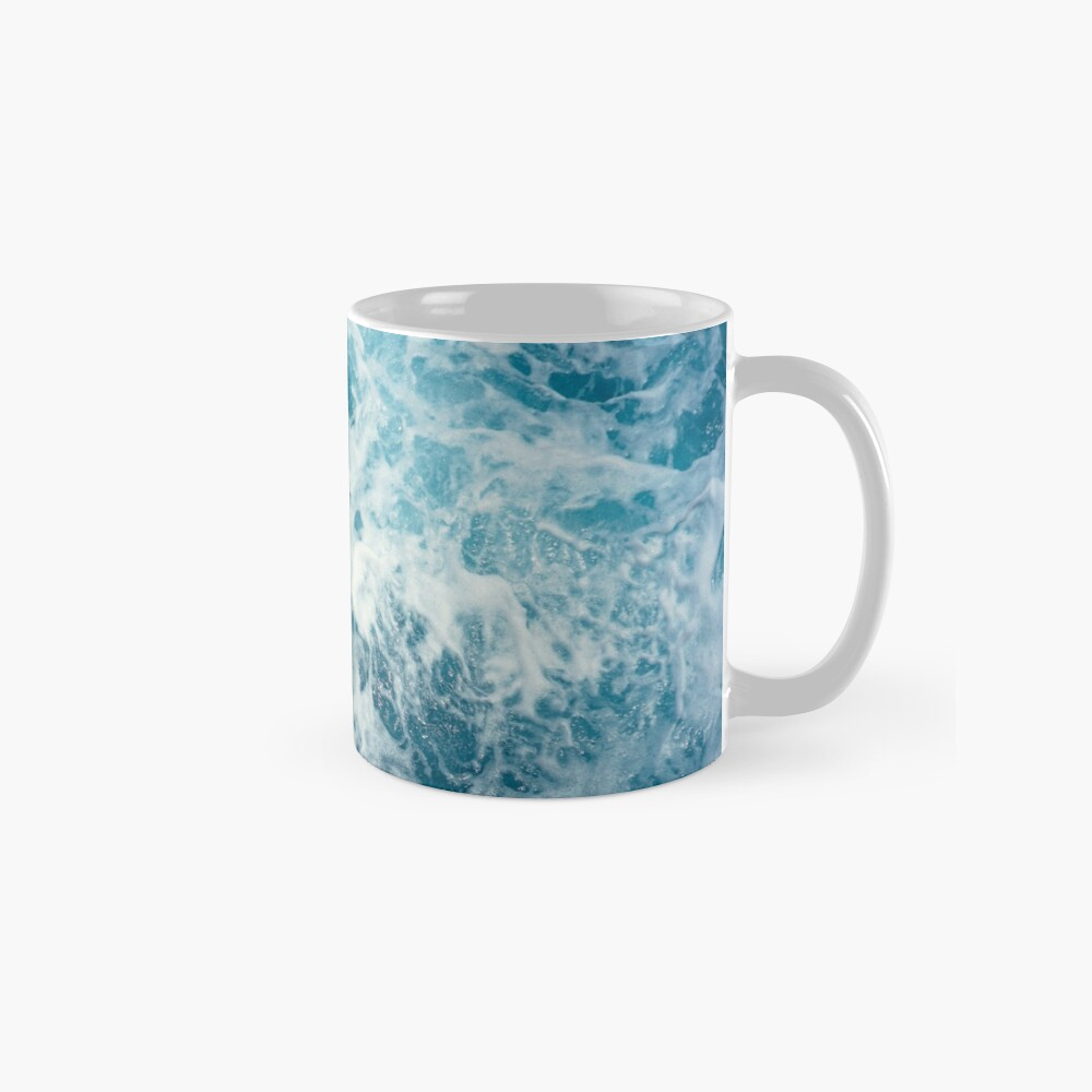 Sea Waves in the Ocean Mug
